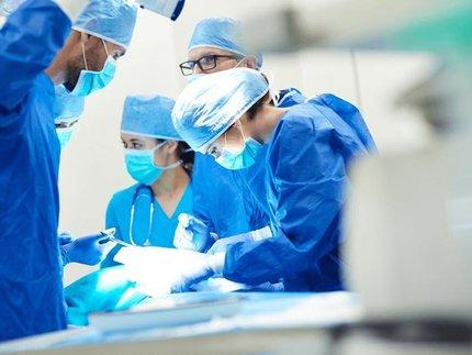 chirurgie-team-chirugen-aan-het-werk.jpg