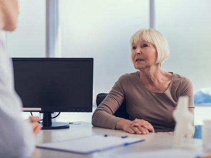 vrouw-in-gesprek-met-arts.jpg