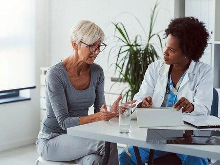 vrouw-sr-in-gesprek-met-arts.jpg